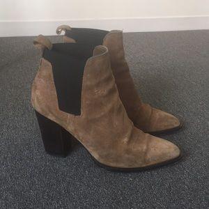 Vince Boots 8.5
